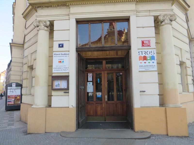 Základní škola Strossmayerovo náměstí 2. Zdroj_www.presbariery.cz