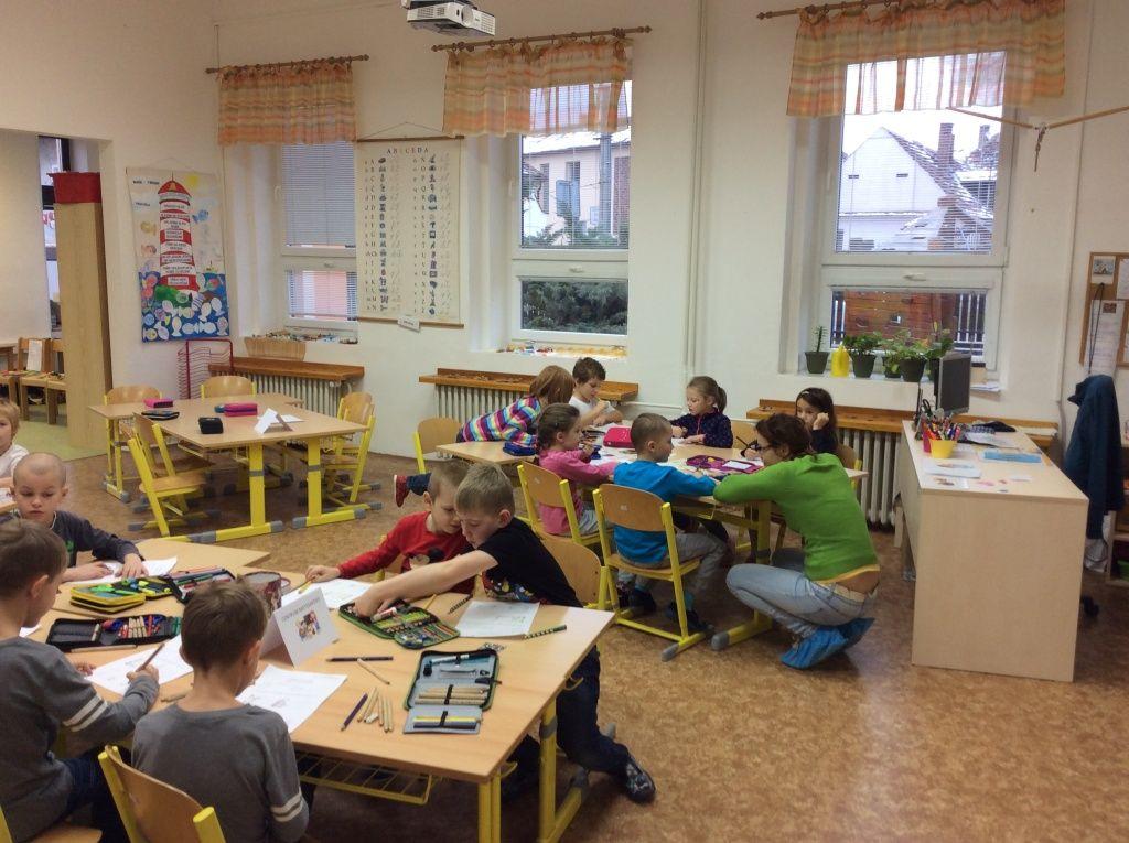 Obr. 3: Centra aktivit – 1. třída základní školy.